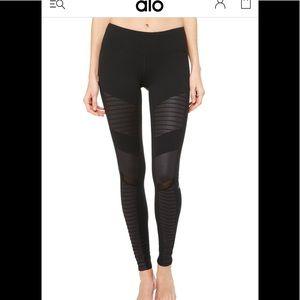 Extra large ALO black Moto leggings